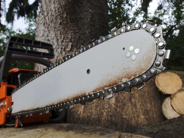 Meči, verige in pribor