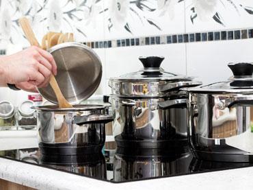Kuhinjska posoda in namizni program